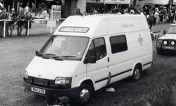 ford-transit-lwb-ambulance-39-kj-06